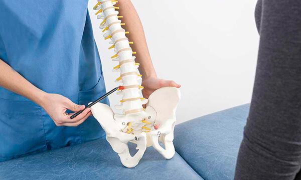Коррекция мышечного тонуса при помощи остеопатии в Москве.