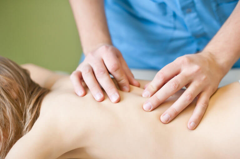 Что отличает сеанс остеопатии от массажа